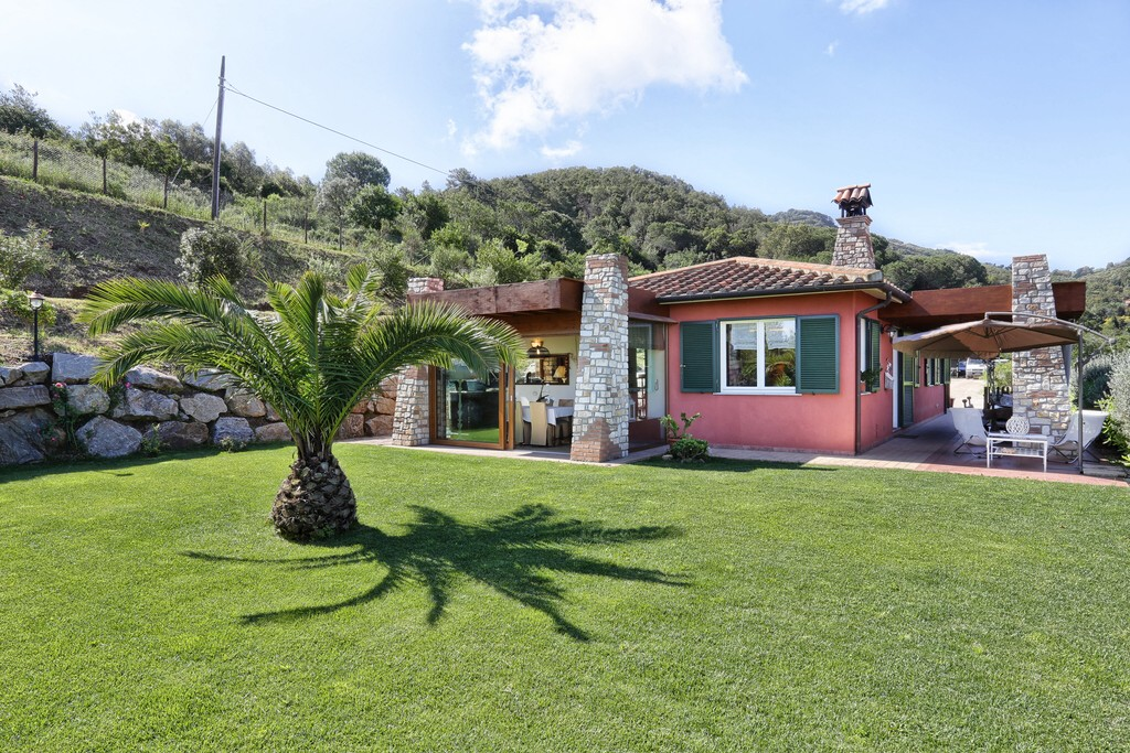 Casa Bucine con vista mare e giardino - mit Meerblick und Garten - with sea view and garden